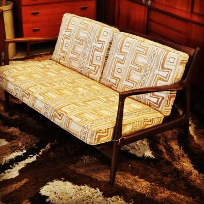 Selig Sofa