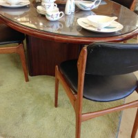 Rosewood table with 2 leaves