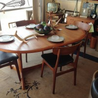MidCentury table with butterfly leaf